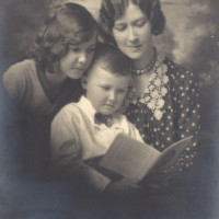 Nan Creaghe and Children
